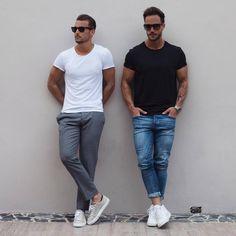 Black crew neck t-shirt street style for men