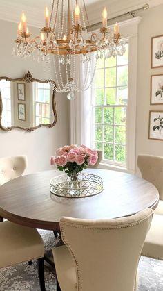 Beige Dining Room, Dining Room Table Decor, Deco Table, Decoration Table, Dining Room Design, Round Dining Room Tables, Dining Room Chandeliers, Round Desk, Beige Room