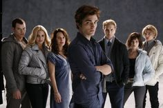 Still of Peter Facinelli, Elizabeth Reaser, Nikki Reed, Robert Pattinson, Kellan Lutz, Jackson Rathbone and Ashley Greene in Twilight
