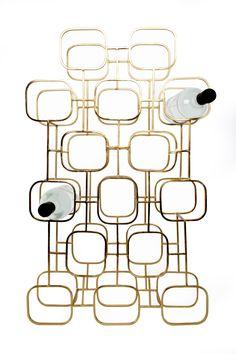 Porte-bouteilles Gavi 15 - Doré - Cet élégant porte-bouteilles en métal peint est un accessoire chic et raffiné dédié à tous les amateurs de vin. Ultra moderne et au design géométrique, ce présentoir est une véritable sculpture qui apportera à votre table un air rétro et tendance.