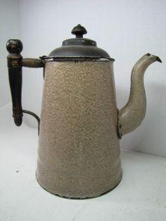 Antiguo-Esmaltado-De-Te-Cafe-pot-marron-blanco-moteado-Decorada-De-Madera-Diseno-de-mango