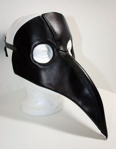 Plague Doctor Mask One of the very first masks I wanted to make, but it took me a while to figure out how to create it! Here is a completely