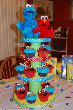 DIY cupcake stand and Elmo and Cookie monster cupcakes!