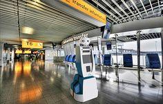 Tecnologia cortará 5,1 milhões de empregos nos próximos 5 anos Foto: Robô Spencer, que a KLM está desenvolvendo para ajudar turistas em aeroporto de Amsterdã