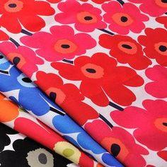 お気に入りの布で手作りしちゃお♡「巾着袋」の作り方とみんなのおしゃれ巾着 | キナリノ Forever Flowers, Japanese Nail Art, Marimekko, Covered Buttons, Dried Flowers, Origami, Hand Weaving, Mandala, Kids Rugs