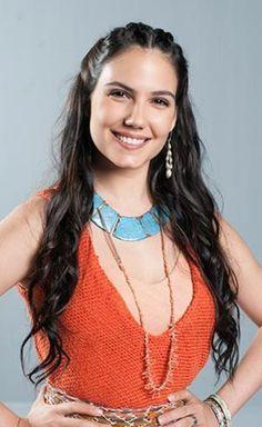 Adira (Rayana Carvalho), midianite girl, sister of Zípora (Tzipporah).