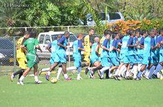 Comenzó la era de Leonel Álvarez en Deportivo Cali    El técnico antioqueño tuvo su primer día de actividades con los 'azucareros'. Los cuatros refuerzos estuvieron presentes en el inicio de la pretemporada. La Liga Postobón I comienza la primera semana de febrero.