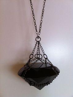 My big black 'diamond' necklace. I Love Jewelry, Jewelry Box, Jewelery, Jewelry Accessories, Fine Jewelry, Jewelry Making, Goth Jewelry, Jewelry Ideas, Gemstone Jewelry