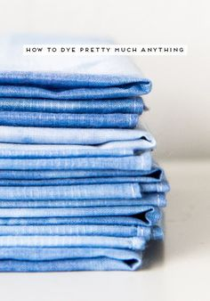 Learn how to dye almost anything you can get your hands on (natural materials edition) with this simple tutorial from Paper & Stitch. Easy Diy Crafts, Diy Craft Projects, Diy Crafts To Sell, Craft Tutorials, Shibori, Diy Inspiration, Textiles, How To Dye Fabric, Dyeing Fabric