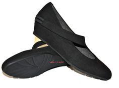 Charming vegan pumps in soft Microsuede with concealed wedge heel.   NOAH - Italian Vegan Shoes   Online-Shop