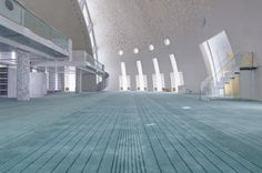 Interior walls are clad in white Marmara marble to express purity Mosque Architecture, Architecture Design, Islamic Center, Beautiful Mosques, Prayer Room, Place Of Worship, Modern Interior, Interior Walls, Islamic Art