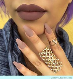 Matte nails and lips match in nude color for a chic look