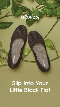 A step above casual without getting too serious, the Allbirds Tree Breezers help you slip into comfort while you seize the day, night, and everything in between Sie Blusen Video Allbirds Shoes, Cute Shoes, Me Too Shoes, Shoe Boots, Shoes Sneakers, Black High Heels, Black Flats, Couture, Platform Pumps