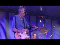 DAVE HOLE performs  'Dark Was The Night' at the Adelaide International Guitar Festival