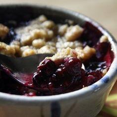 The Boastful Baker's handpicked blueberry and peach crisp
