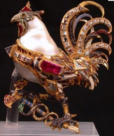 A jeweled rooster pendant and part of Medici treasure, gold, baroque pearl, rubies and diamonds Europe, ca century. Renaissance Jewelry, Medieval Jewelry, Ancient Jewelry, Antique Jewelry, Vintage Jewelry, Bird Jewelry, Animal Jewelry, Pearl Jewelry, Jewelry Design