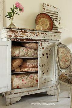 Beautiful Primitive Cabinet - via Servies en Brocante