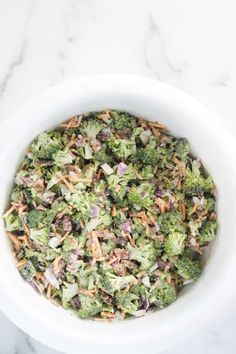 This is the best cold broccoli salad recipe and it's completely sugar free. You'll love this low carb and keto broccoli salad with bacon, cheese and more. Low Carb Broccoli Salad, Best Broccoli Salad Recipe, Diet Salad Recipes, Broccoli Diet, Brunch Salad, Low Carb Lunch, Salad Ingredients, Brunch Recipes, Thm Recipes