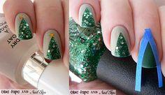 Hee hee! Cute Christmas Tree Manicure by Blue Tape & Nail Tips #scotchblue
