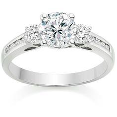 Diseños imponentes  Diamante central 0.4k 2 Diamantes laterales 0.1k 8 Diamantes de 2 puntos engastados en carré #diamond #ring #gold #white #luxury #fashion #style #love #forever #shine #fb #tw #pin #jewelry #engagement #compromiso #proposal