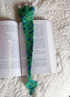 Marque pages Patte de Monstre en coton : Marque-pages par doomyflo-crochet