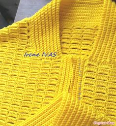 Лимонная куртка-бомбер (пилот) крючком Mode Crochet, Crochet Cable, Irish Crochet, Crochet Cardigan Pattern, Crochet Blouse, Crochet Designs, Knitting Paterns, Black Crochet Dress, Crochet Dresses