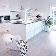 8 veces he visto estas radiantes cocinas abiertas. Kitchen Room Design, Room Interior Design, Kitchen Sets, Open Plan Kitchen, Modern Kitchen Design, Home Decor Kitchen, Kitchen Living, Kitchen Interior, Home Kitchens