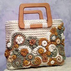 Marvelous Crochet A Shell Stitch Purse Bag Ideas. Wonderful Crochet A Shell Stitch Purse Bag Ideas. Bag Crochet, Crochet Shell Stitch, Freeform Crochet, Crochet Handbags, Crochet Purses, Love Crochet, Crochet Gifts, Irish Crochet, Crochet Flowers