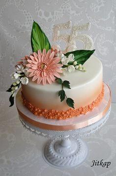 Narozeninový s gerberou - Cake by Jitkap Cake Decorating Amazing, Creative Cake Decorating, Birthday Cake Decorating, Candy Birthday Cakes, Elegant Birthday Cakes, Birthday Cakes For Women, Gerbera, Pretty Cakes, Beautiful Cakes