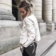 """""""This #laceup #perf is on noholita.fr nouveau look sur le blog    merci pour tous vos petits mots #top10"""" Dread Hairstyles, Pretty Hairstyles, Camille Callen, Color Rubio, Hair Romance, Nouveau Look, Brown Hair With Highlights, Let Your Hair Down, Rocker Style"""