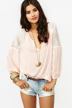 Jardin Lace Blouse - Blush soo cute but sadly it is SOLD OUT! grrr everytime I find something cute this happens!
