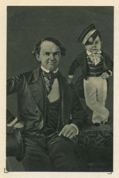 De kleine generaal Tom Thumb. From At the circus. Vintage collectable card