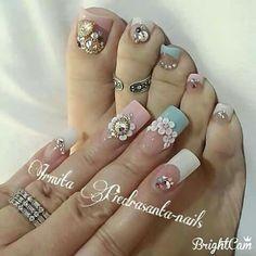 Bling nails and pedi. Love this nail art. Cute Toe Nails, Cute Nail Art, Love Nails, Perfect Nails, Gorgeous Nails, Pretty Nails, Pedicure Nail Art, Mani Pedi, Feet Nails