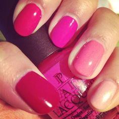 pink ombre nails.