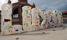 BASURAMA Luxo é Lixo (Lujo es Basura Exhibición en Estampa 2014.,Matadero Madrid,  junto a la Galería Moisés Pérez de Albéniz.