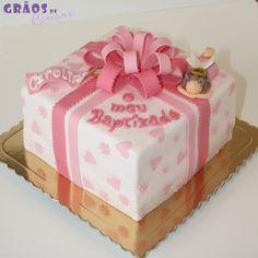 Bolo Presente Batizado Bolo Fondant, Fondant Cakes, Cake Design, Creative Cakes, Cake Decorating, Decorative Boxes, Desserts, Food, Decoration