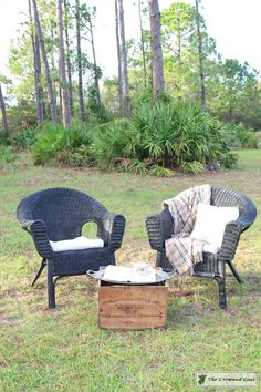Spray Paint Wicker Chair Unique How to Spray Paint Wicker Furniture – the Crowned Goat Spray Painting Wood Furniture, Spray Paint Wicker, Painted Wicker, Painted Furniture, Rustic Outdoor Furniture, Patio Furniture Sets, Furniture Makeover, Industrial Furniture, Antique Furniture