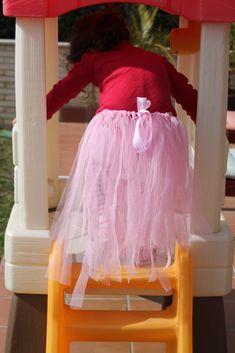 """Chica Perika: Cómo hacer otra falda de tul o tutú sin costuras o """"variaciones sobre tul""""   Recetas   Costura   Manualidades   Tutoriales"""