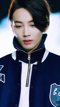 #9 Jeonghan Seventeen His face is so unrealistically handsome!