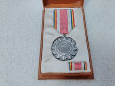 Romania/Romanian Anniversary of Liberation from Fascism Medal Pin Badge Military Surplus, Soviet Union, 25th Anniversary, Pin Badges, Romania, Ribbon, Ebay, Collection, Tape