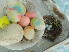 Retro decoupaged Easter eggs from 11 Magnolia Lane