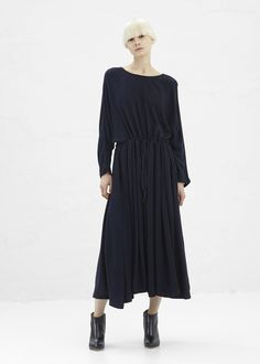 Black Crane Pleats Dress (Eggplant)