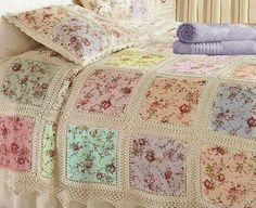 Crochet and patchwork bedspread - very pretty Crochet Bedspread, Crochet Fabric, Crochet Motifs, Crochet Quilt, Crochet Squares, Crochet Home, Thread Crochet, Love Crochet, Crochet Crafts