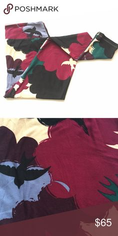 ☁️NEW🐦 TC Lularoe Birds in the Clouds Buttery soft leggings by Lularoe. Brand new without tag. Gorgeous pattern of birds flying in the clouds. Black, deep green, shades of burgundy, lavender, and cream. Made in Indonesia🇮🇩. We are open to offers through the offer button. ☺️ LuLaRoe Pants Leggings