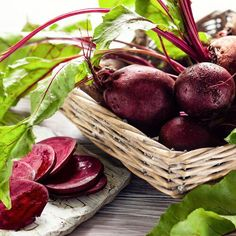 How to Eat the Beet from Root to Leaf — Just Beet It Roasted Beets, Beet Recipes, Real Food Recipes, Drink Recipes, Breakfast Smoothies, Fruit Smoothies, Cooked Beets Recipe, Refrigerator Pickled Beets, Diet