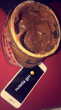 Nutella Mini, Nutella Muffin, Chocolate Milka, Chocolate Lovers, Tumblr Food, Snap Food, Good Food, Yummy Food, Food Snapchat