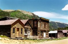 St Elmo Ghost Town Colorado, not quite a ghost town yet, Lee and his son still lives there and run the small General Store.