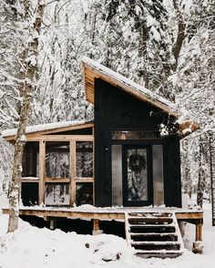 Tiny Cabins, Tiny House Cabin, Cabins And Cottages, Tiny House Living, Cozy House, Tiny Houses, Off Grid Cabin, Off Grid House, Ontario