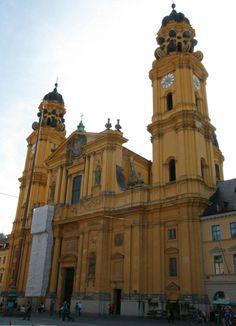 Odeonsplatz und Hofgarten