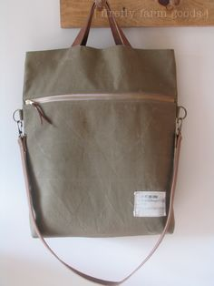 canvas tote: zipper side view @ homespun living